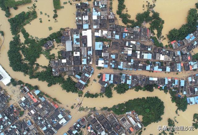 今年疫情、水灾、洪水、冰雹等灾难到一块了什