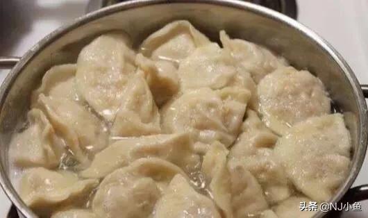 冰冻水饺开水煮还是冷水煮?