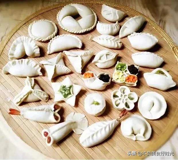 包饺子的图片,猪肉和什么一起包水饺好吃?