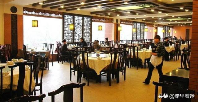 饭店老店新开,边上都是居民区,有什么好的促销方案?