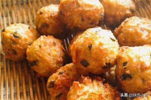 莲藕酥汁丸子的制作方法是什么?(炸素莲藕丸子的做法)