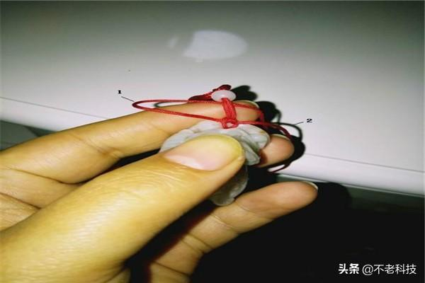 编玉坠挂绳的方法图解、挂坠绳子的编法图解、高档玉坠挂绳的编法插图3