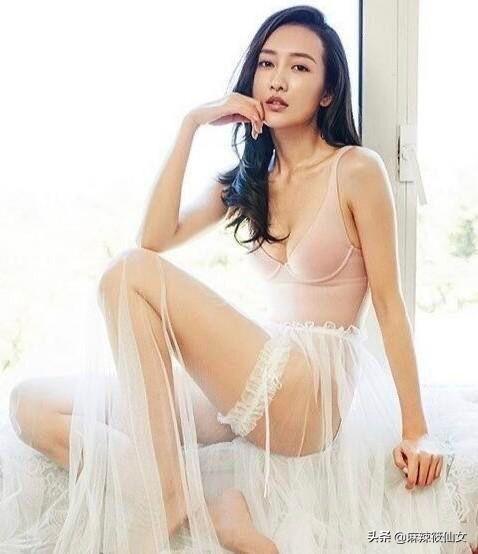 性感翘臀美女内裤诱惑,女生什么穿搭最让你觉得性感?