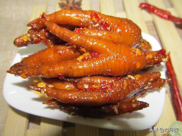 湖南传统姜辣鸡爪和口味蛇的做法是什么?