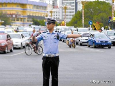 列举10条交通安全常识?