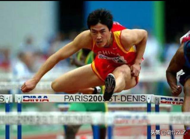 """2004年""""感动中国""""十大人物之一是谁你们知道吗"""