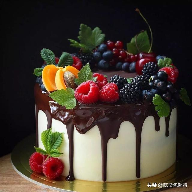 男生生日送礼物买蛋糕,给朋友送蛋糕,送什么样的好?