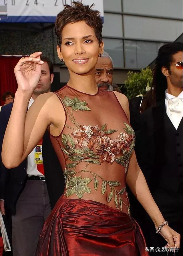 明星红毯最美造型、明星红毯造型奇葩、明星走红毯 造型插图