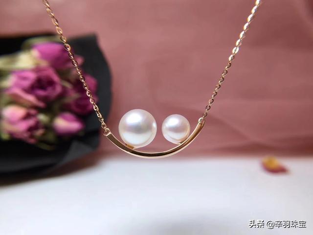 珍珠项链佩戴不显老气、年轻人戴珍珠项链显老吗、全珠珍珠项链显年轻戴法插图