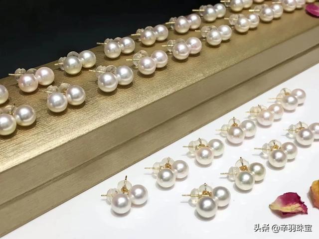 珍珠项链佩戴不显老气、年轻人戴珍珠项链显老吗、全珠珍珠项链显年轻戴法插图3