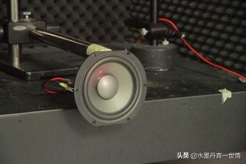 车上的音响效果太差,是换个播放器还是换个音响?(图3)