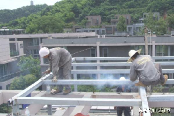 钢结构玻璃雨棚的施工方案及制作流程?