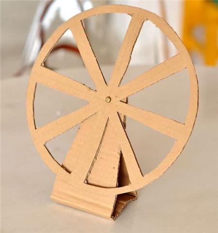 六一儿童节礼物手工摩天轮,六年级小制作大全摩天轮的做法?(用纸做摩天轮怎么做)