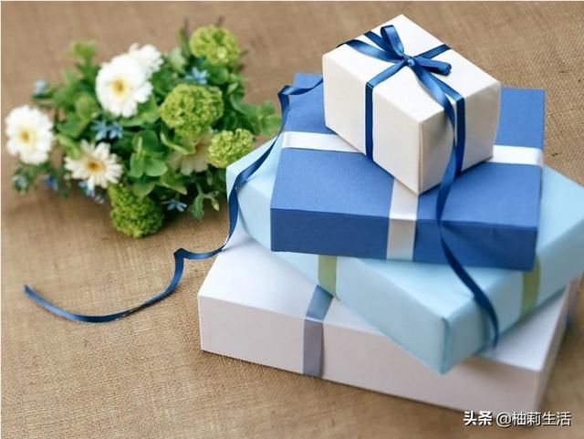 送女朋友生日礼物小票怎么办,怎么看待别人送你礼物还有小票?