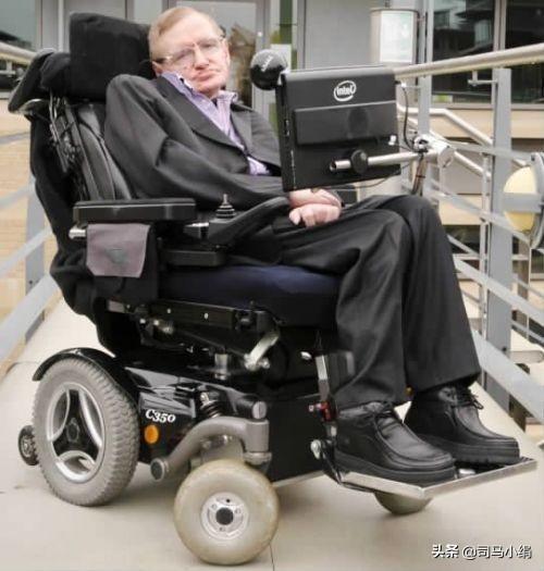 轮椅上的霍金,霍金生前用的那个轮椅去哪里了?