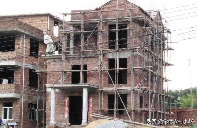 楼面混凝土可泡水保养吗?(楼面混凝土能泡水吗)