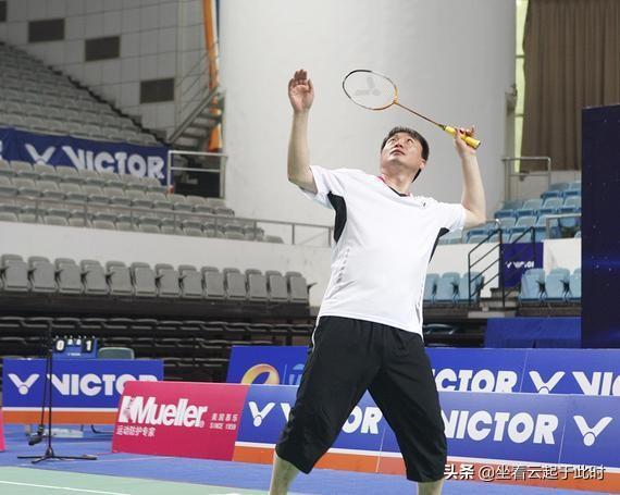 李永波羽毛球拍(李永波羽毛球拍8320)