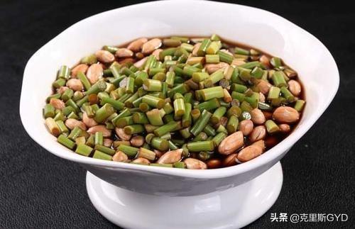 蒜苔怎么腌制好吃腌蒜苔的家常做法大全?(腌蒜苔的做法大全家常窍门)