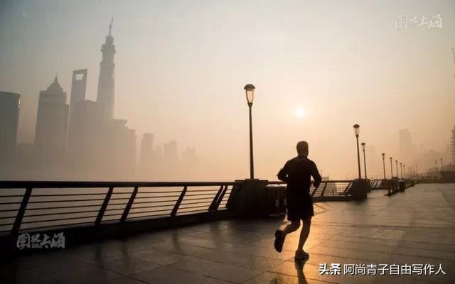 跑步图片唯美,一个人跑步,是一种什么感觉?
