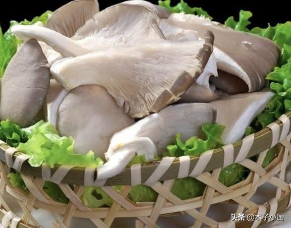 干炸蘑菇要不要鸡蛋,怎么做好吃?(干炸蘑菇需要煮一下吗)