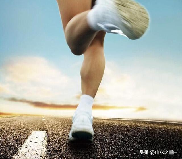 送男朋友的跑鞋礼物推荐,送给喜欢跑步的男生送什么东西好呢?