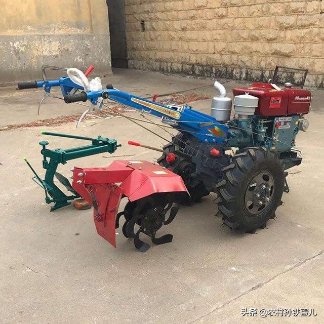 三轮车改装,农用柴油三轮车能改旋耕机吗?
