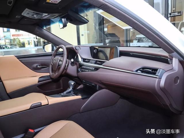 大佬们朋友想买30万左右的雷克萨斯车,推荐一下好吗?