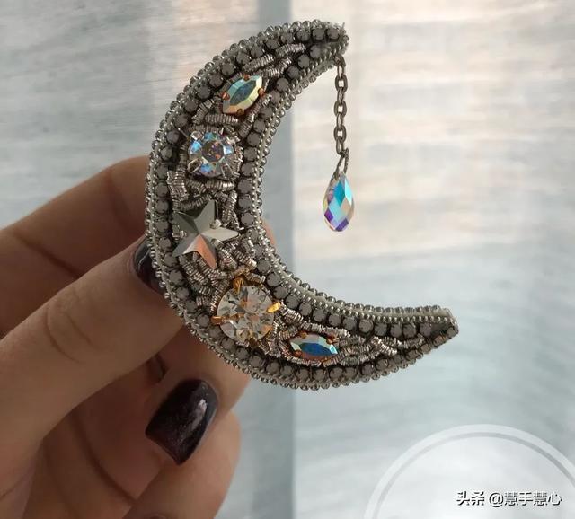 印度丝的手工刺绣章为什么比较贵?