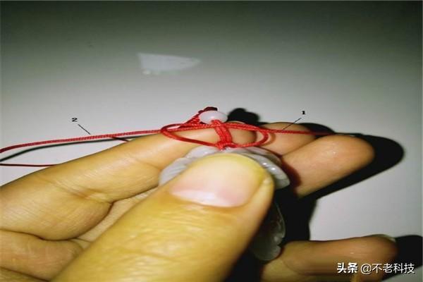 编玉坠挂绳的方法图解、挂坠绳子的编法图解、高档玉坠挂绳的编法插图4