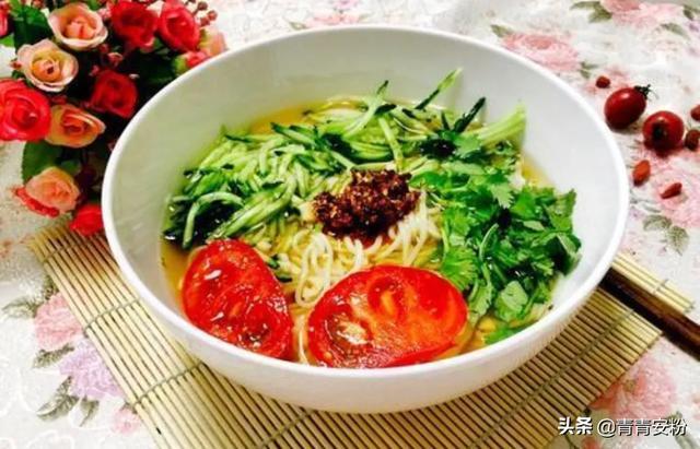 东北四季面馆的老汤面的汤怎么做的?
