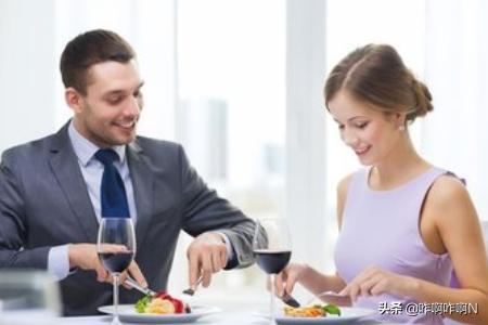 按摩睾丸 :女生第一次和男生约会时应该怎样做?