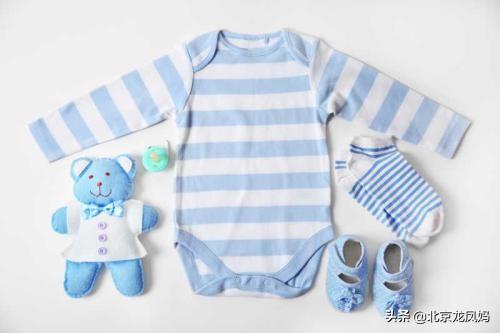 如何加入二手母婴闲置群:听一些老人说,小孩衣服不能扔,那幼儿的衣服小了要怎么处理?(小孩的衣服小了能扔吗)