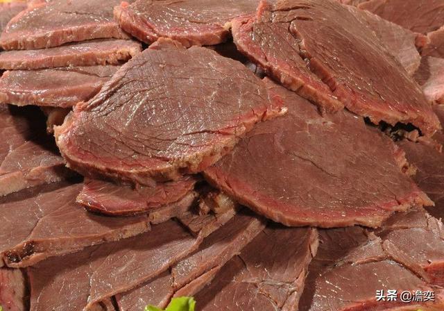 摩登6官网平台不少人都觉得,乔峰还有梁山好汉让店小二切两斤牛肉的桥段是胡扯的,因为很多人以为古代严禁私宰耕牛,所以是吃不到牛肉的,然而事实,未必尽然(图2)