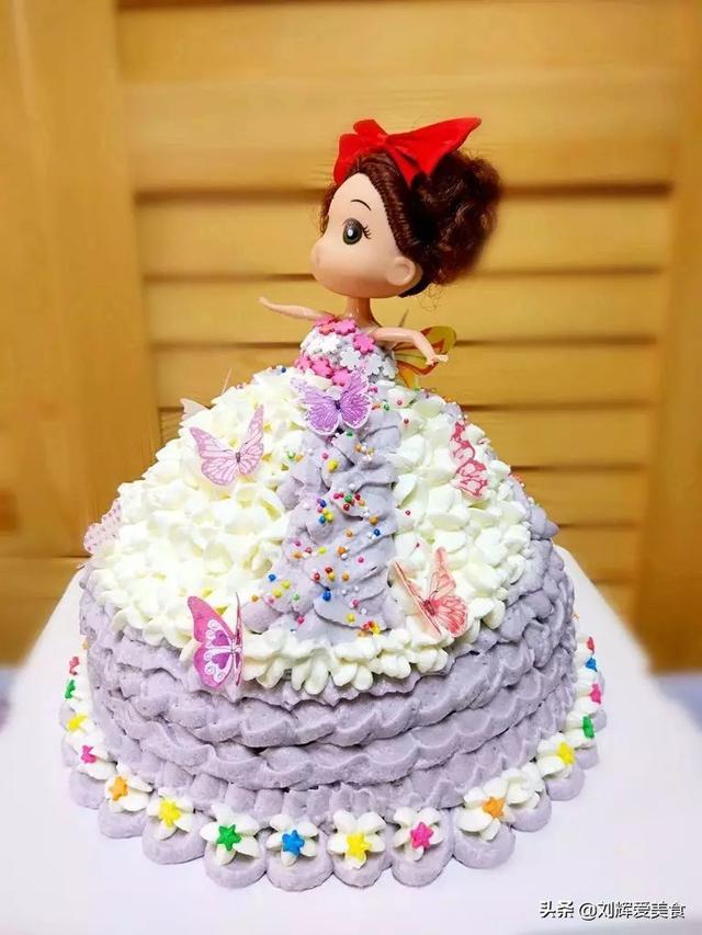 芭比公主蛋糕的做法是什么?(芭比公主蛋糕图片 女孩子)