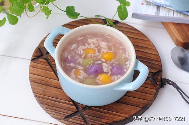 请问藕粉圆子是怎么制作的?