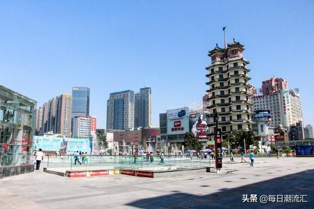 郑州二七商圈的华联,金博大昔日风光已不在,大卫城后面的新田360有机会杀入重围嘛?