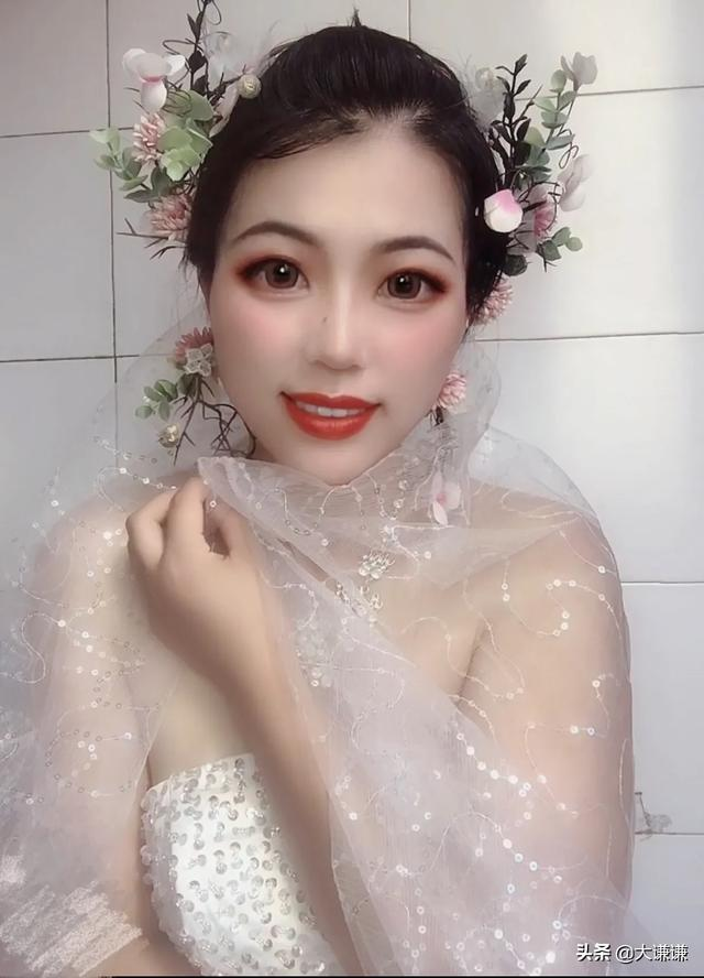 学化妆好还是美甲好?