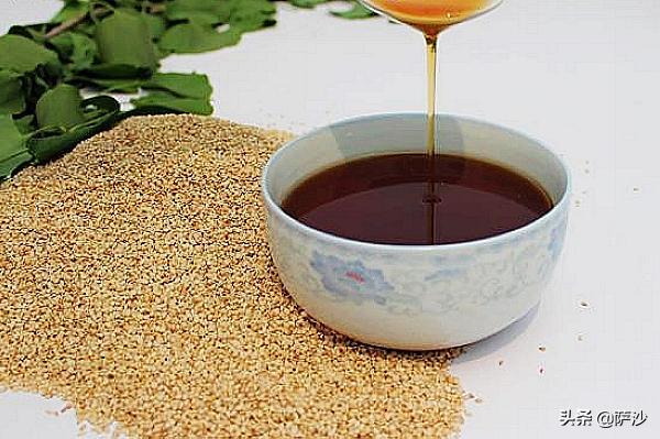 古代很长一段时间,所有人吃的都是动物油。古书中一般把未经煎炼的称为脂,经过煎炼的称为膏(图5)