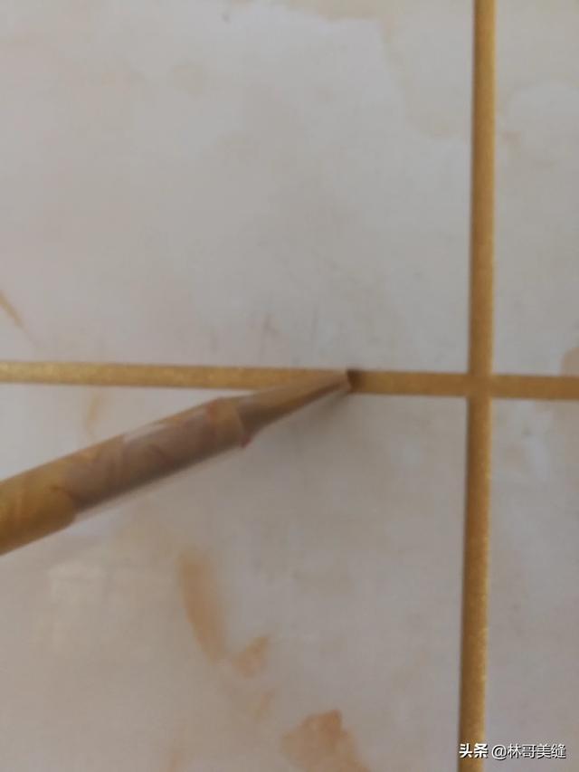 地板砖水泥缝怎么施工打掉来做美缝剂?
