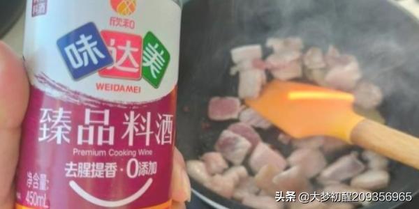 猪肉白菜炖粉条怎么做啊?(白菜炖粉条不放肉怎么做)