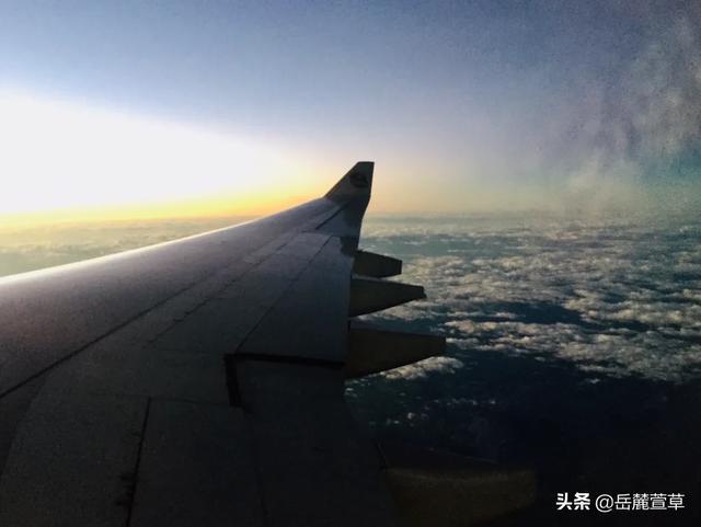 飞机的图片,你在飞机上拍过哪些美图?