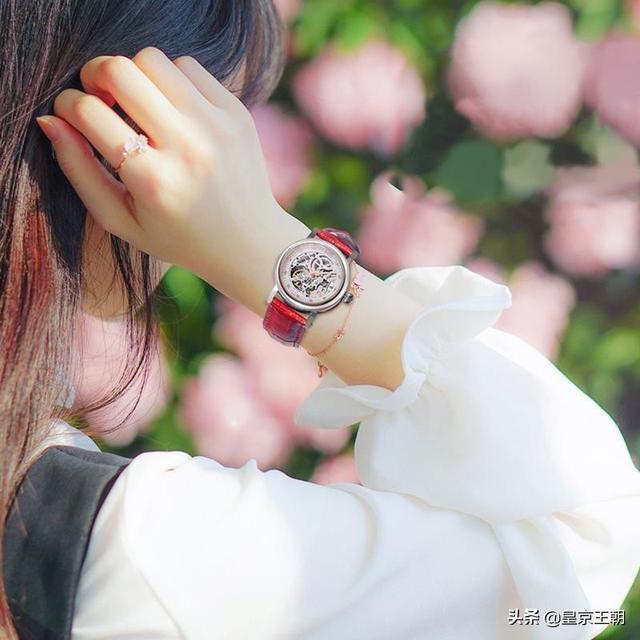 送女朋友礼物百元手表,我想买一只手表送给女朋友,什么牌子的好?