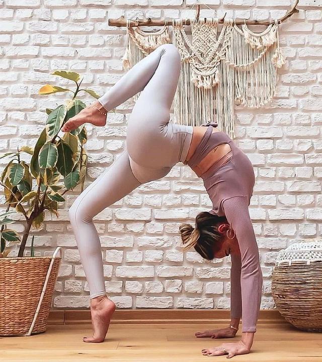 在家怎样练瑜伽?