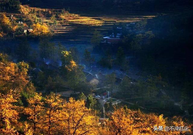 11月中下旬去贵州旅游天气好吗?要穿什么衣服合