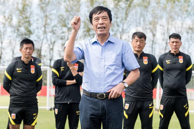 中国足球历史上最成功的本土足球教练是谁图2