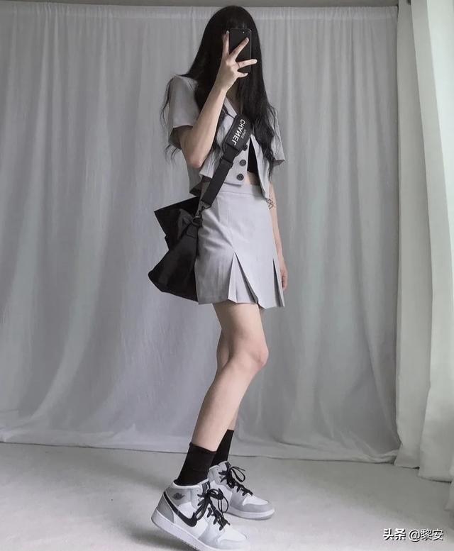 女生穿AJ怎么搭衣服?(图10)