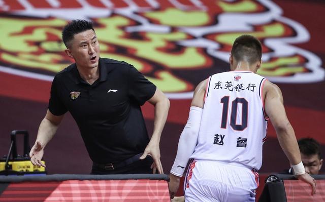 不吹不黑,你如何评价在CBA里执掌广东队多年的杜锋图3