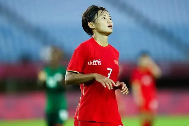 中国女足王霜实力在世界范围内是前5吗在荷兰队能打上主力吗