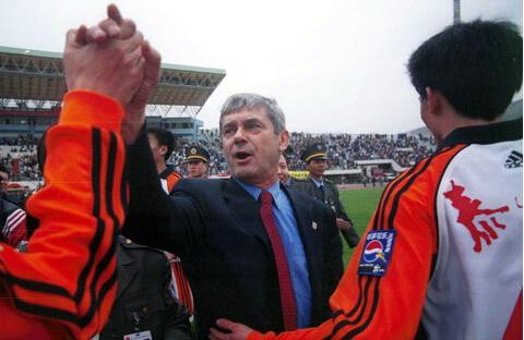 为什么说中超联赛(足球)不允许引进外国门将跟山东鲁能有关系?
